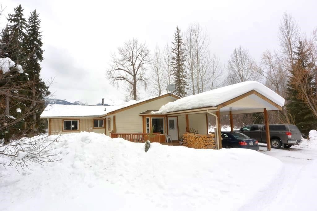 Main Photo: 2085 22ND Avenue in Smithers: Smithers - Rural House for sale (Smithers And Area (Zone 54))  : MLS®# R2243353