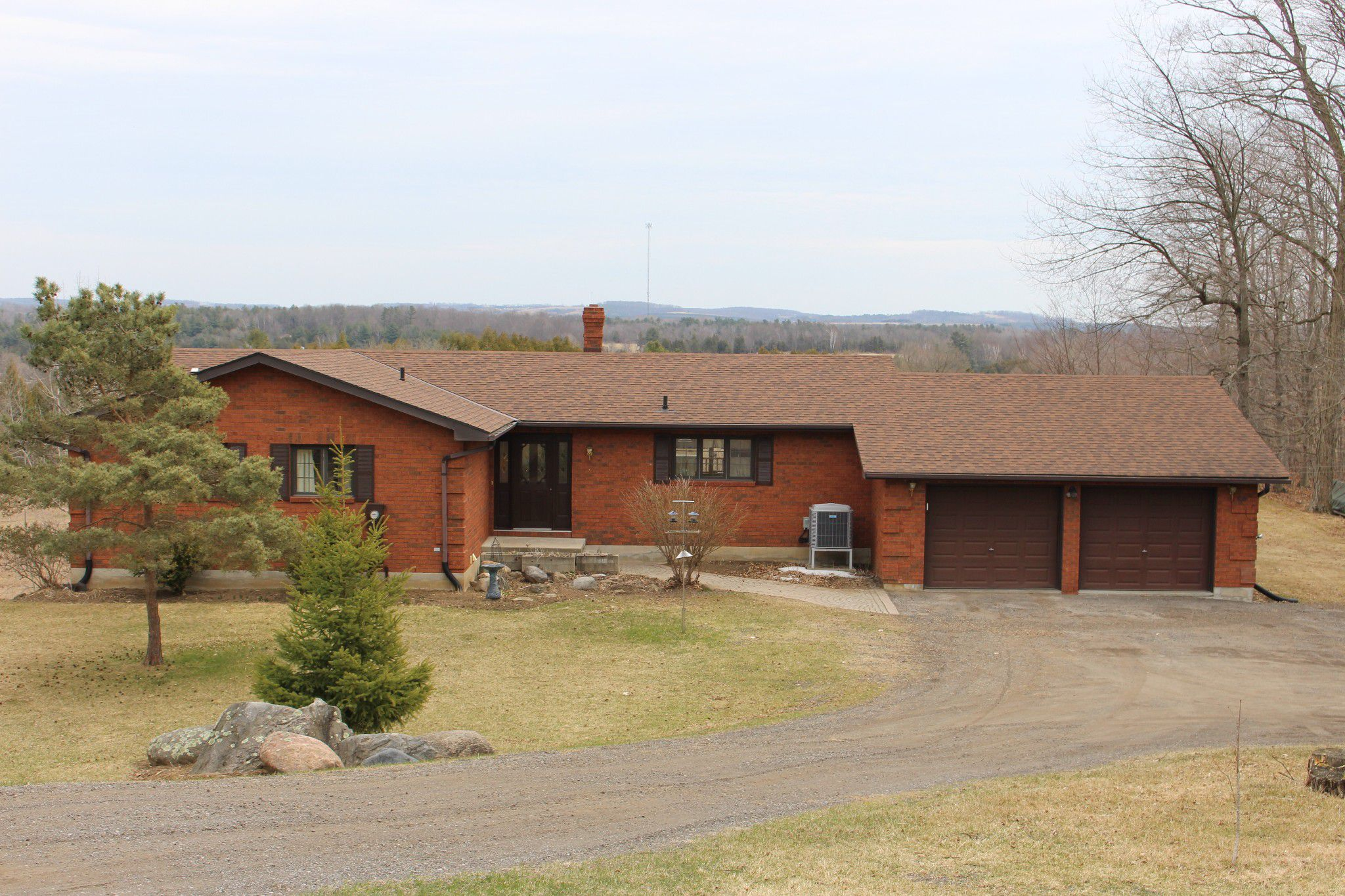 Main Photo: 8410 Majestic Hills Drive in Hamilton Twp,: Residential Detached for sale : MLS®# 121911