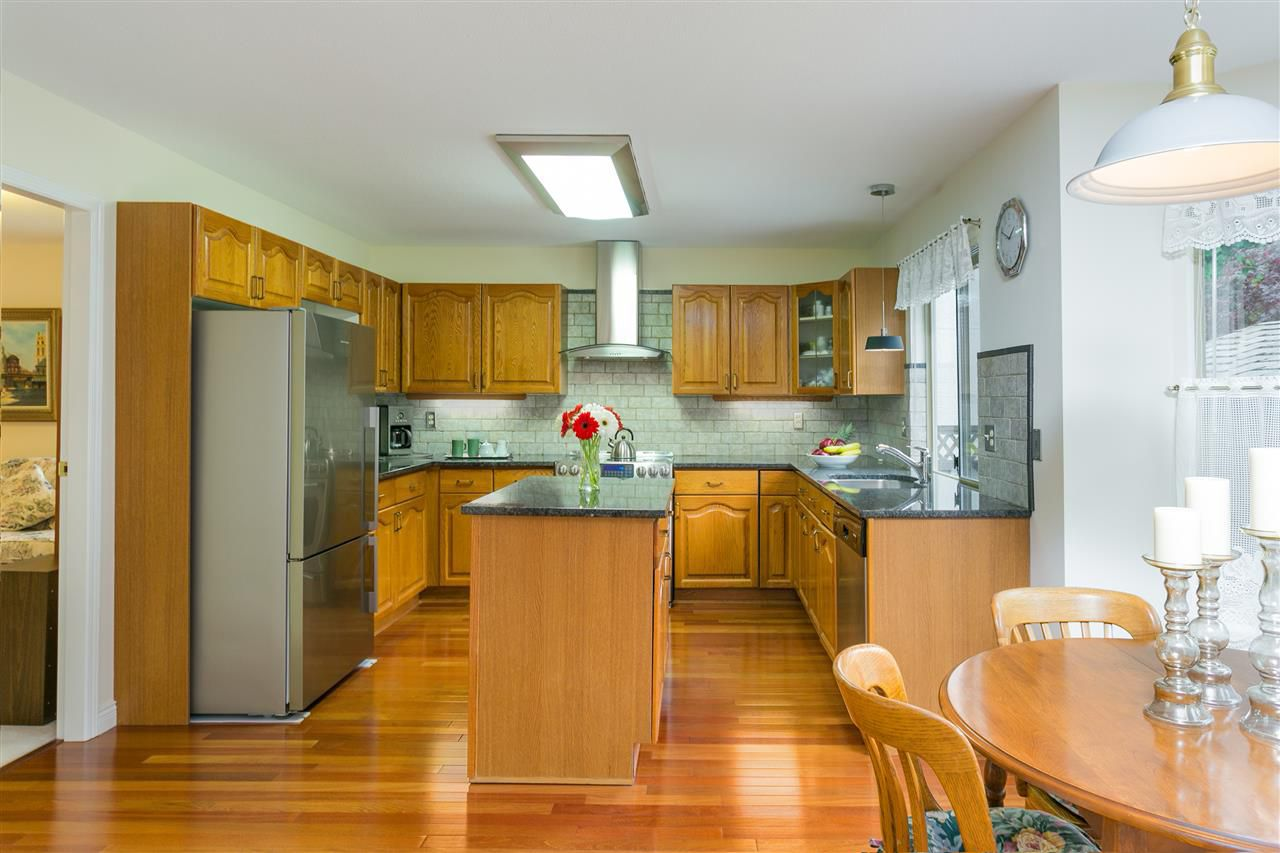 Photo 2: Photos: 1080 CLEMENTS Avenue in North Vancouver: Canyon Heights NV House for sale : MLS®# R2298872