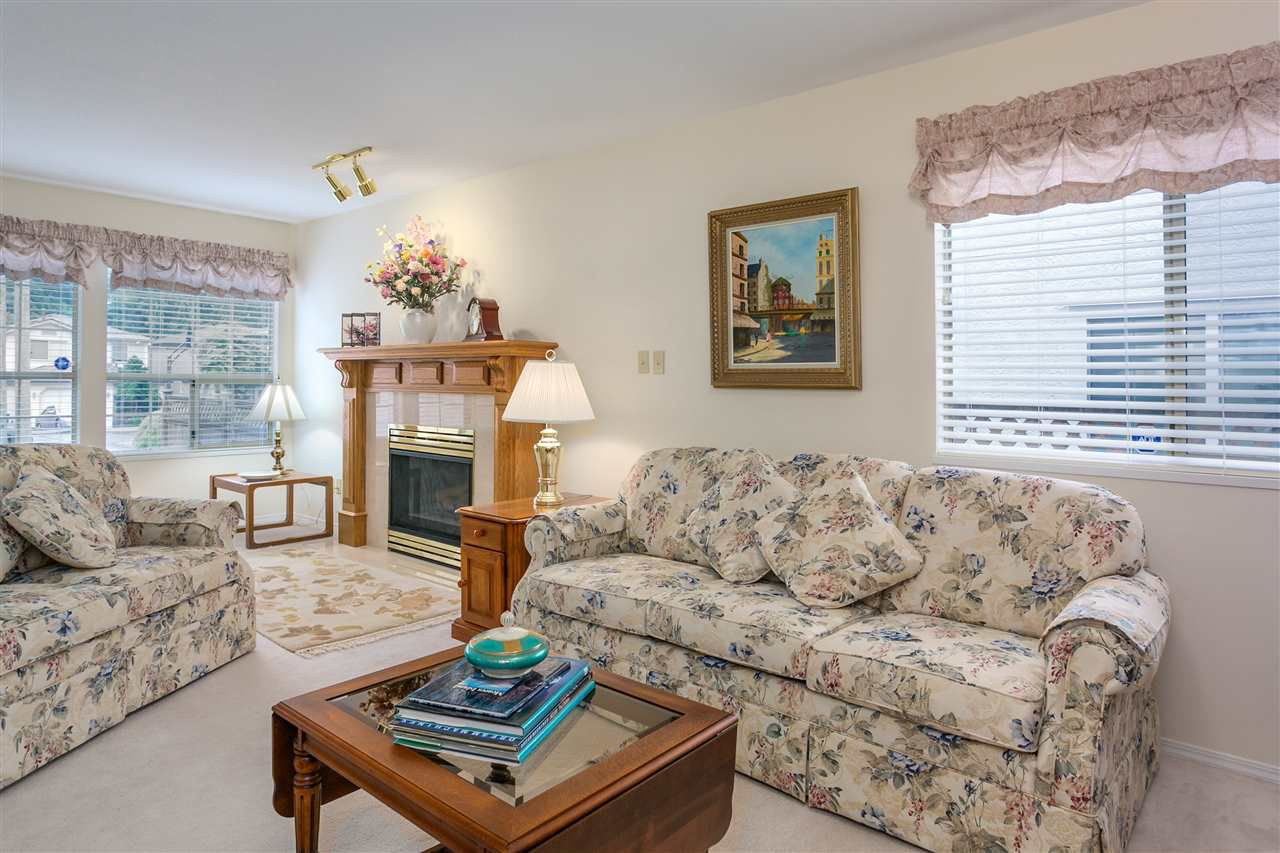 Photo 5: Photos: 1080 CLEMENTS Avenue in North Vancouver: Canyon Heights NV House for sale : MLS®# R2298872