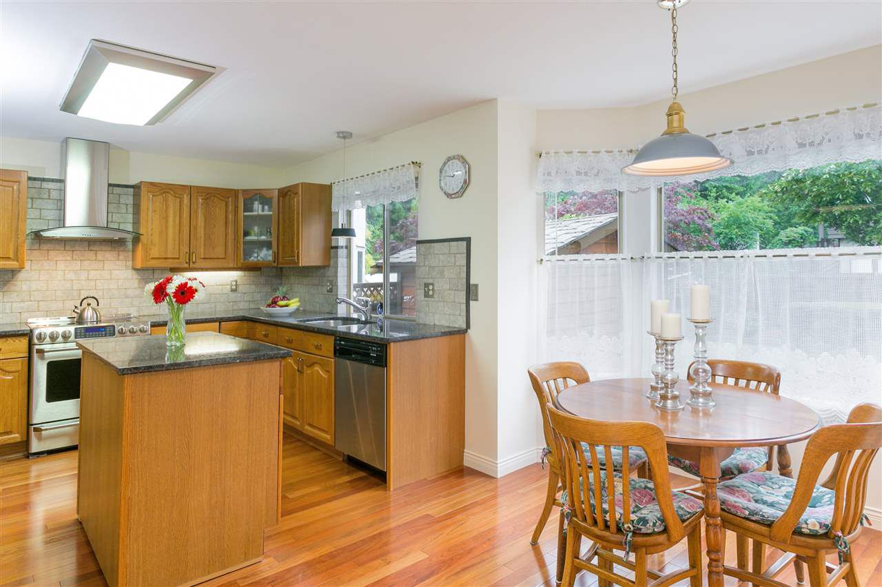 Photo 3: Photos: 1080 CLEMENTS Avenue in North Vancouver: Canyon Heights NV House for sale : MLS®# R2298872