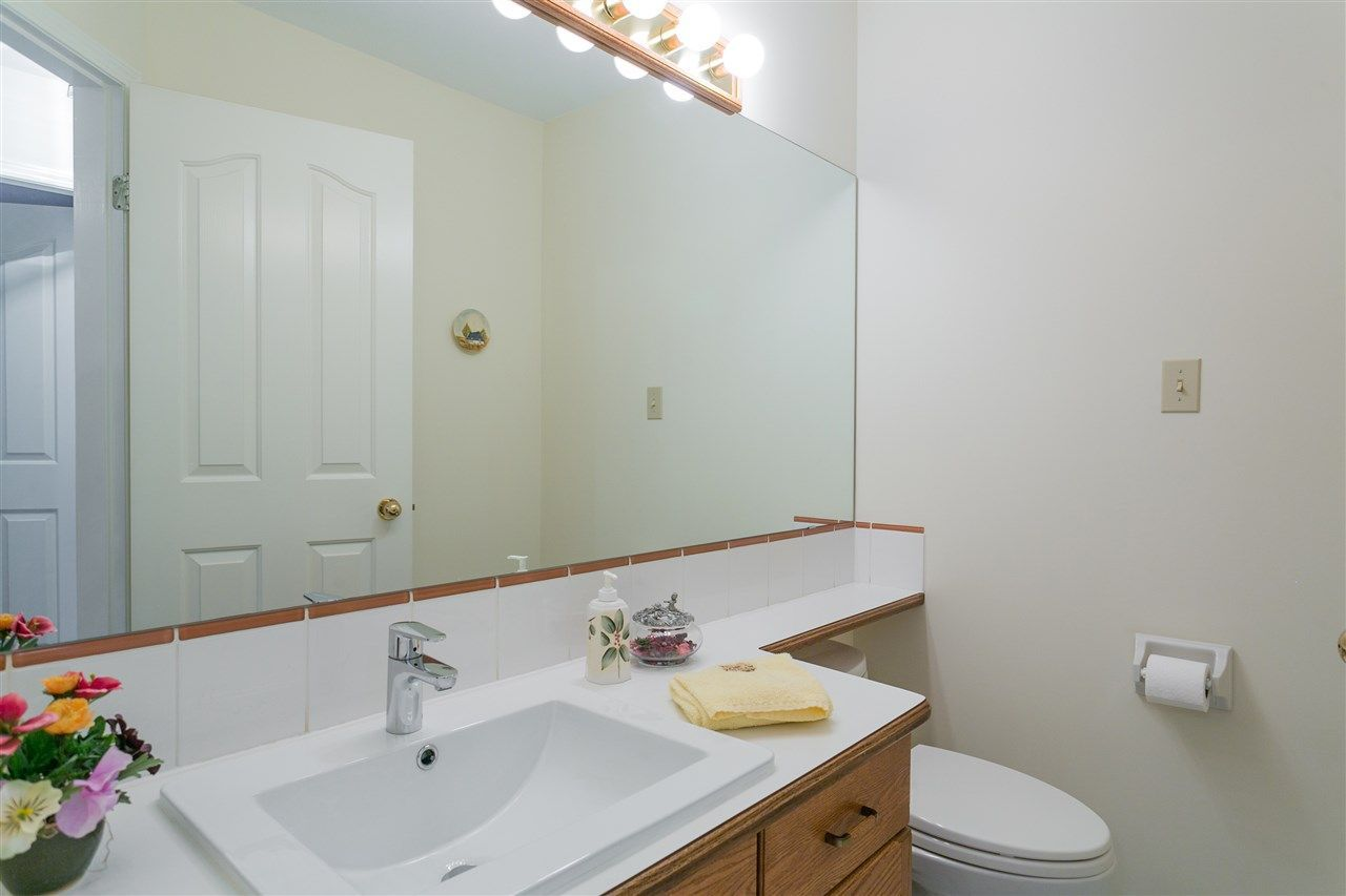 Photo 8: Photos: 1080 CLEMENTS Avenue in North Vancouver: Canyon Heights NV House for sale : MLS®# R2298872