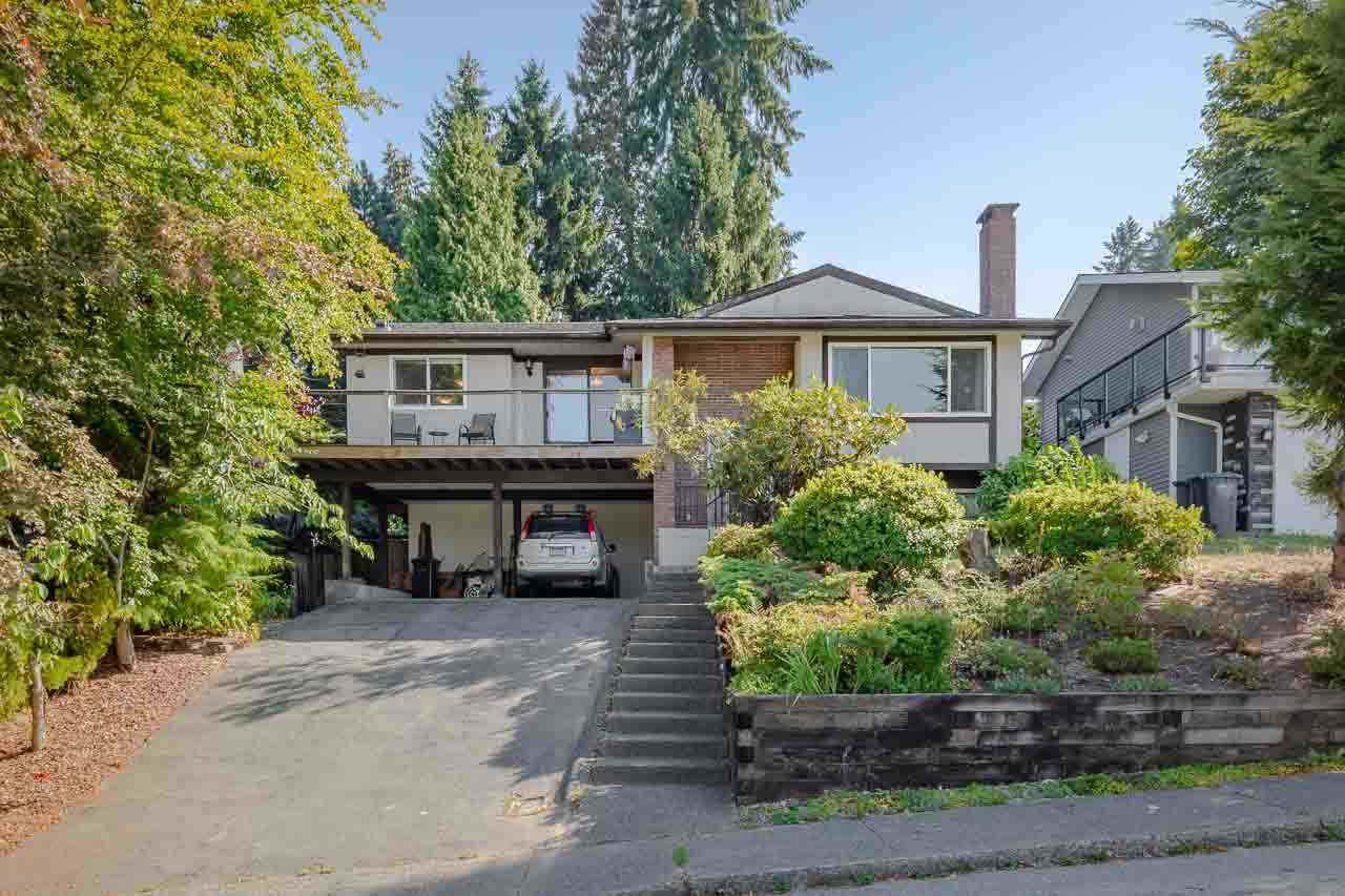 Main Photo: 3196 CAPSTAN Crescent in Coquitlam: Ranch Park House for sale : MLS®# R2304013
