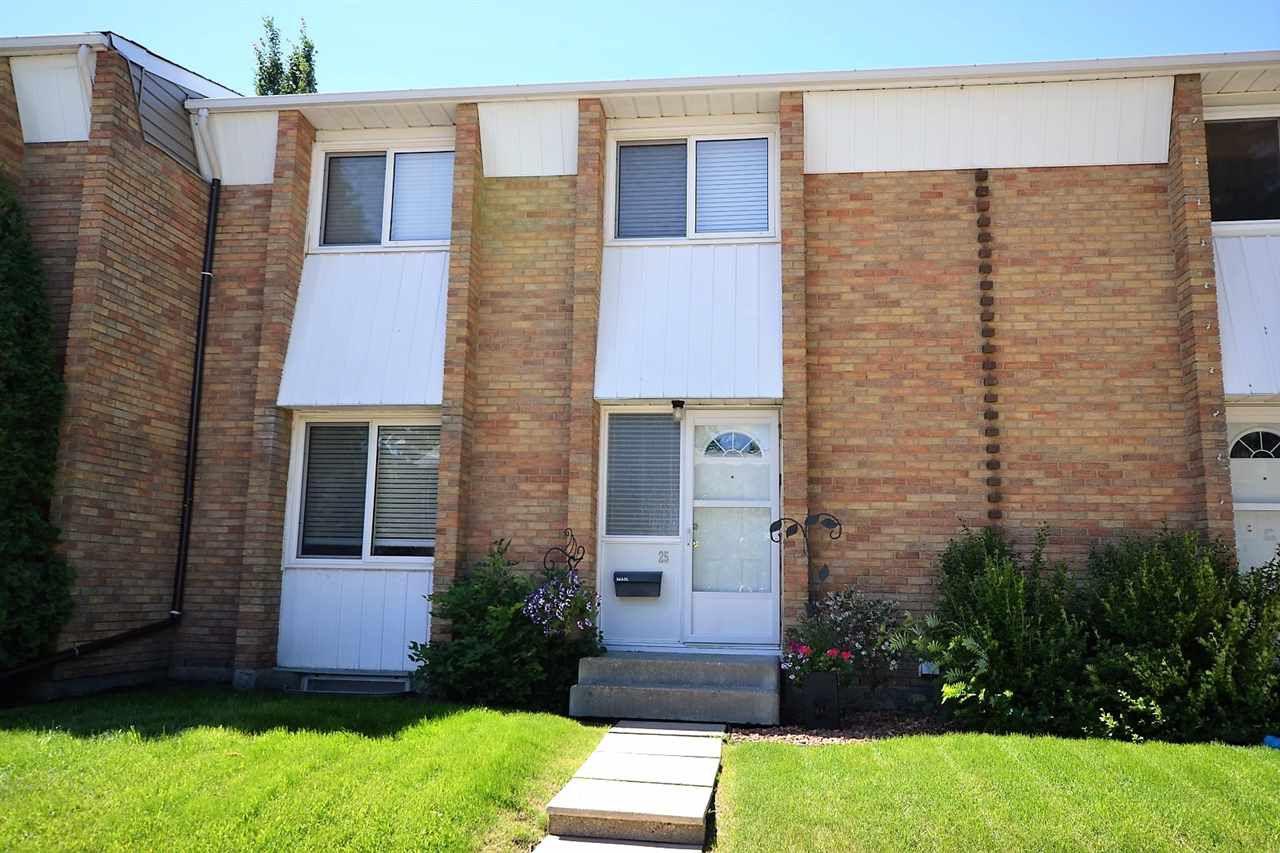 Main Photo: 25 Ridgewood Terrace: St. Albert Townhouse for sale : MLS®# E4140000