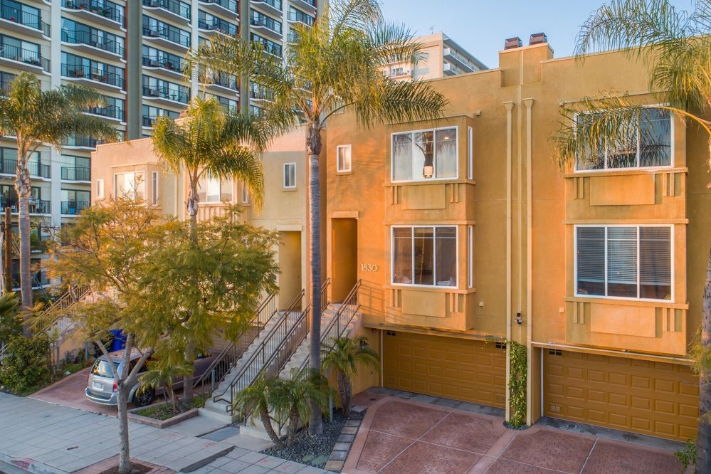 Main Photo: HILLCREST Rowhome for sale : 3 bedrooms : 1830 University Ave in San Diego