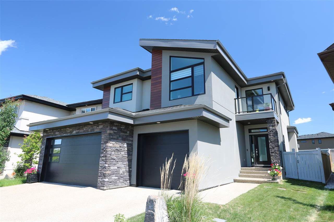 Main Photo: 3157 CAMERON HEIGHTS Way in Edmonton: Zone 20 House for sale : MLS®# E4148030
