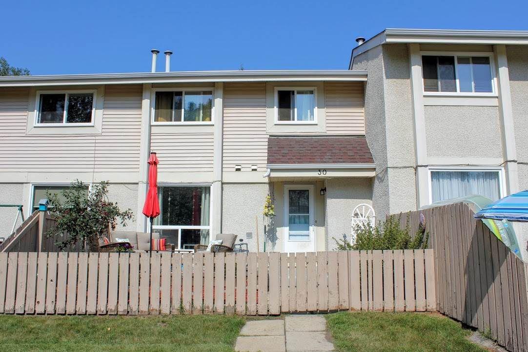 Main Photo: 30 ATHABASCA Acres: Devon Townhouse for sale : MLS®# E4160566