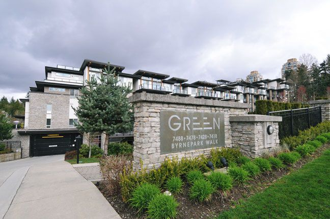 "Main Photo: 502 7478 BYRNEPARK Walk in Burnaby: South Slope Condo for sale in ""GREEN"" (Burnaby South)  : MLS®# R2021457"