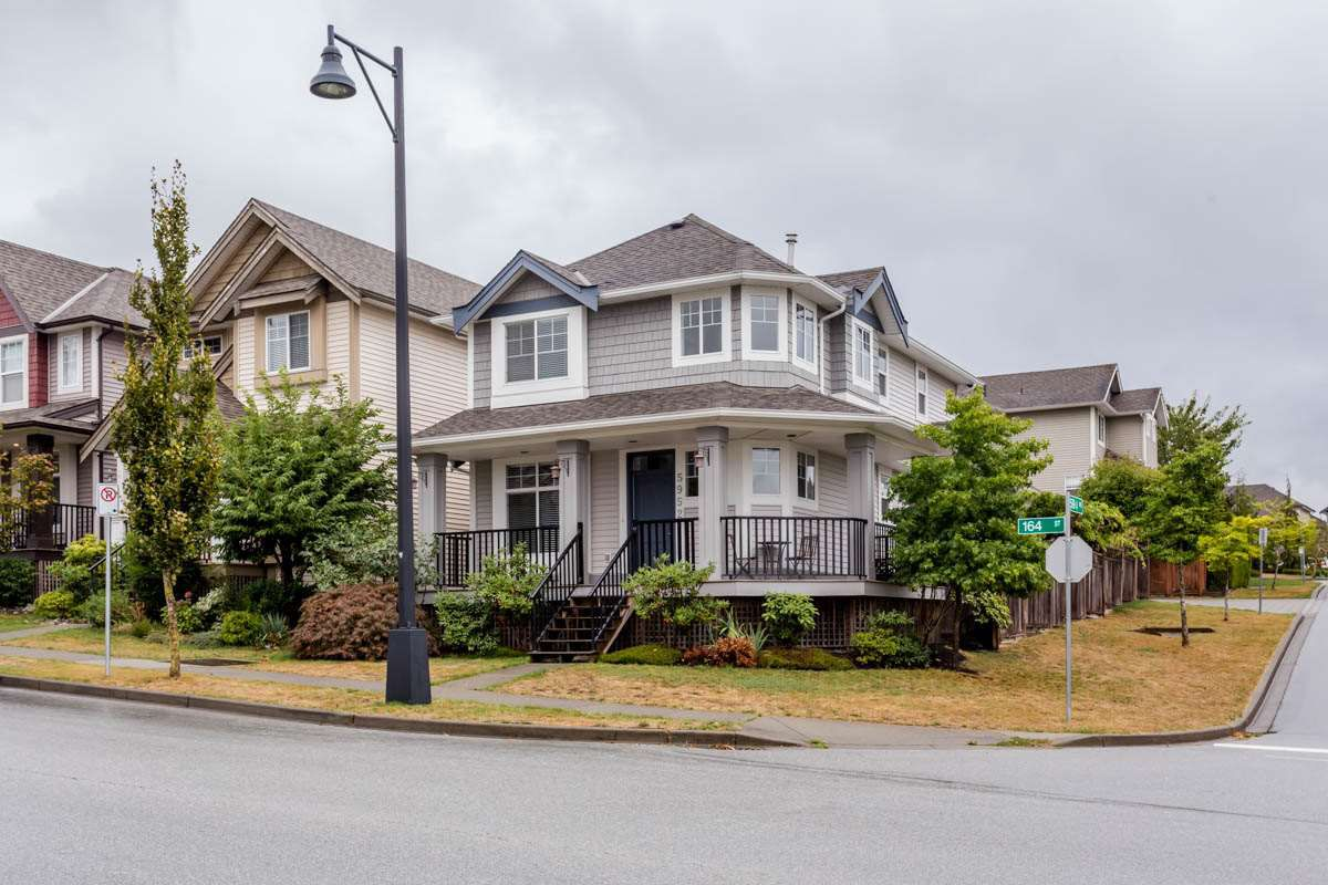 Main Photo: 5952 164 Street in Surrey: Cloverdale BC House for sale (Cloverdale)  : MLS®# R2207791