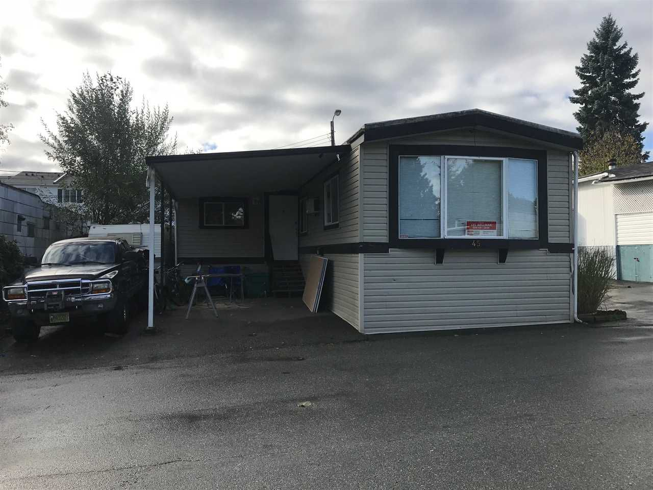 """Main Photo: 45 8190 KING GEORGE Boulevard in Surrey: East Newton Manufactured Home for sale in """"King George"""" : MLS®# R2214859"""