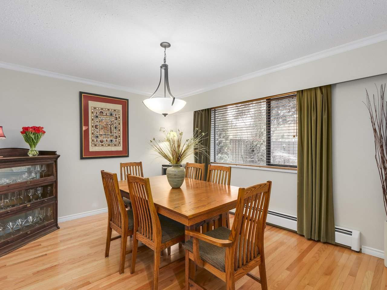 Photo 4: Photos: 887 KELVIN Street in Coquitlam: Harbour Chines House for sale : MLS®# R2240068