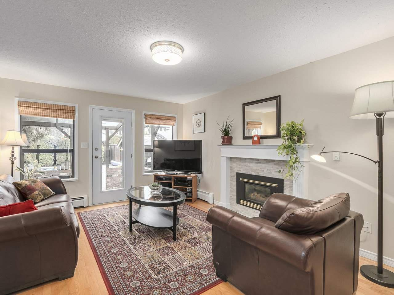 Photo 9: Photos: 887 KELVIN Street in Coquitlam: Harbour Chines House for sale : MLS®# R2240068