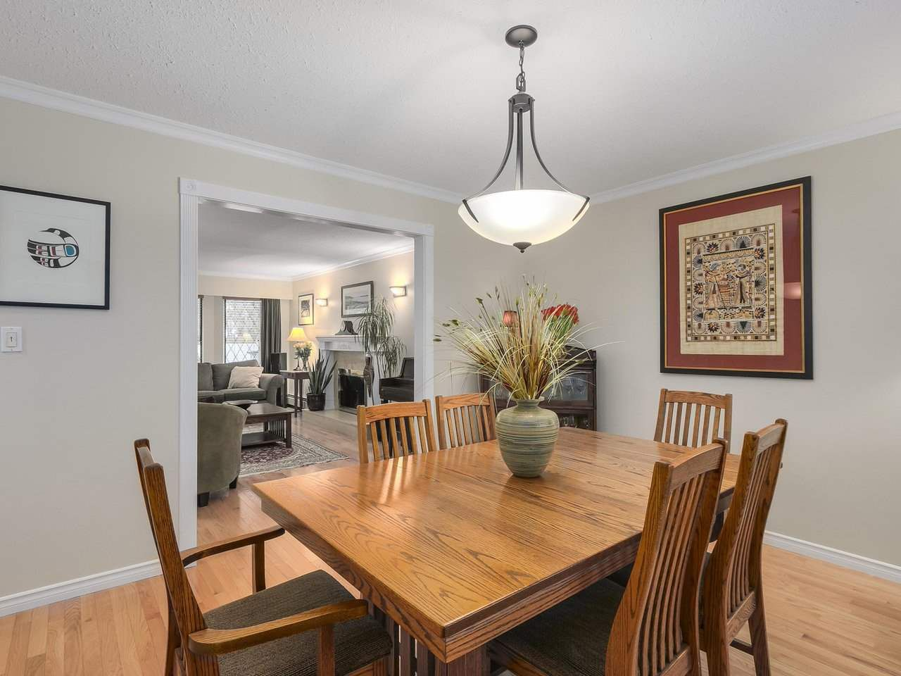 Photo 5: Photos: 887 KELVIN Street in Coquitlam: Harbour Chines House for sale : MLS®# R2240068