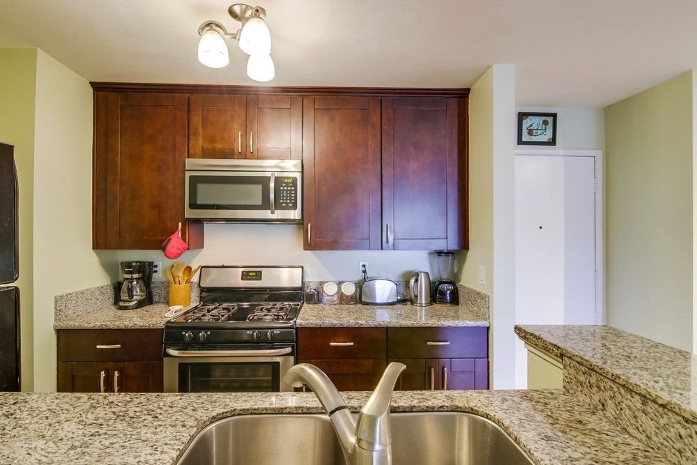 Main Photo: MISSION VILLAGE Condo for sale : 1 bedrooms : 1605 Hotel Cir S #B210 in San Diego