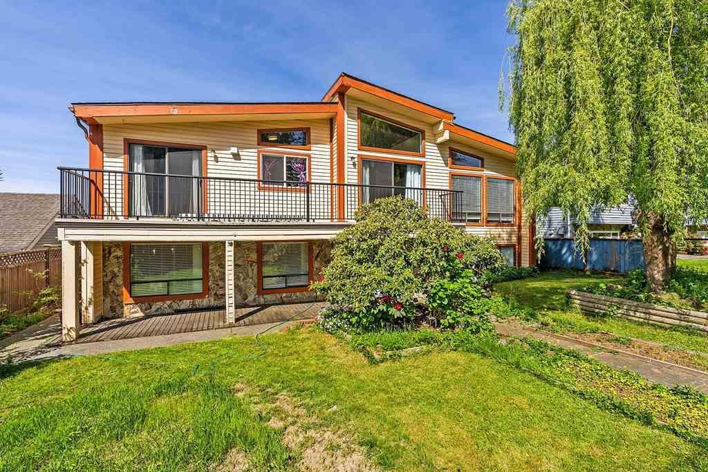 Main Photo: 8433 152 Street in Surrey: Fleetwood Tynehead House for sale : MLS®# R2370748