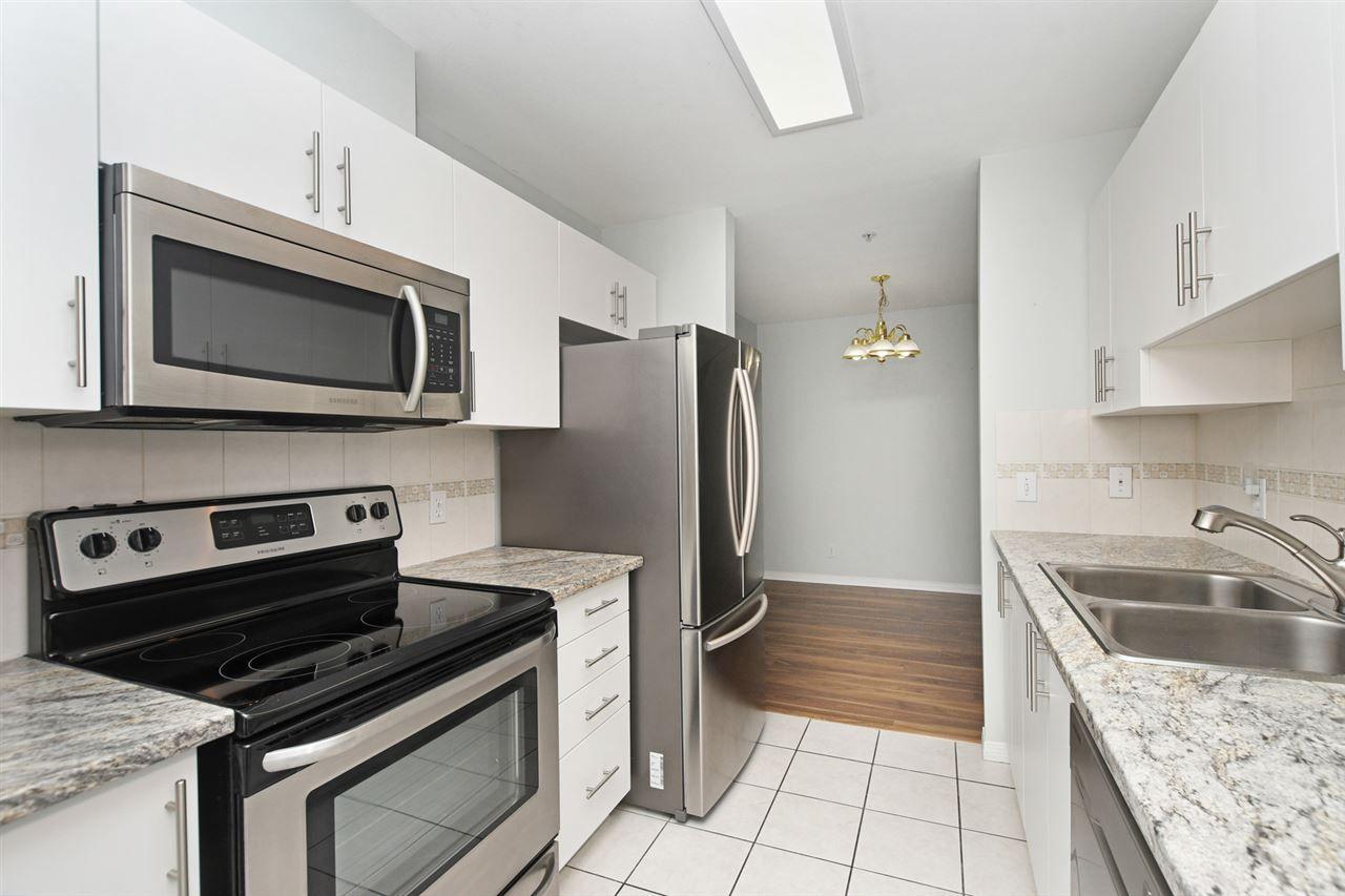 "Main Photo: 202 4768 53 Street in Delta: Delta Manor Condo for sale in ""SUNNINGDALE ESTATES"" (Ladner)  : MLS®# R2387409"