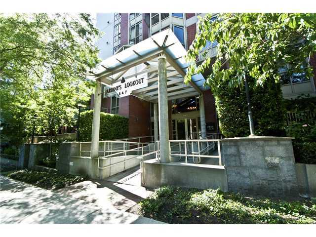 """Main Photo: 506 867 HAMILTON Street in Vancouver: Downtown VW Condo for sale in """"JARDINE'S LOOKOUT"""" (Vancouver West)  : MLS®# V926909"""