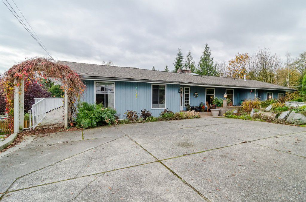 Main Photo: 30273 CANARY Court in Abbotsford: House for sale : MLS®# R2021697