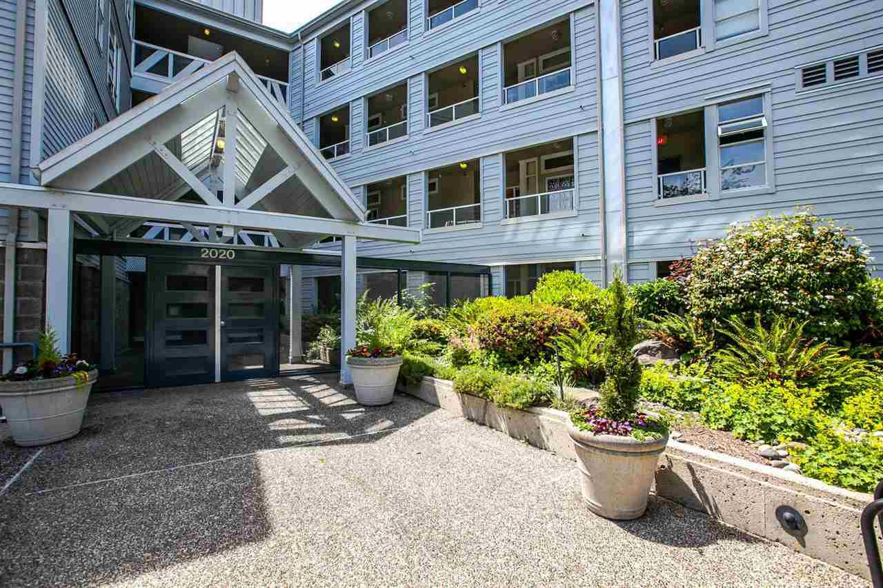 "Main Photo: 208 2020 E KENT AVENUE SOUTH Avenue in Vancouver: Fraserview VE Condo for sale in ""TUGBOAT LANDING"" (Vancouver East)  : MLS®# R2078827"