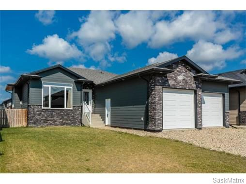 Main Photo: 709 Redwood Crescent: Warman Single Family Dwelling for sale (Saskatoon NW)  : MLS®# 578463
