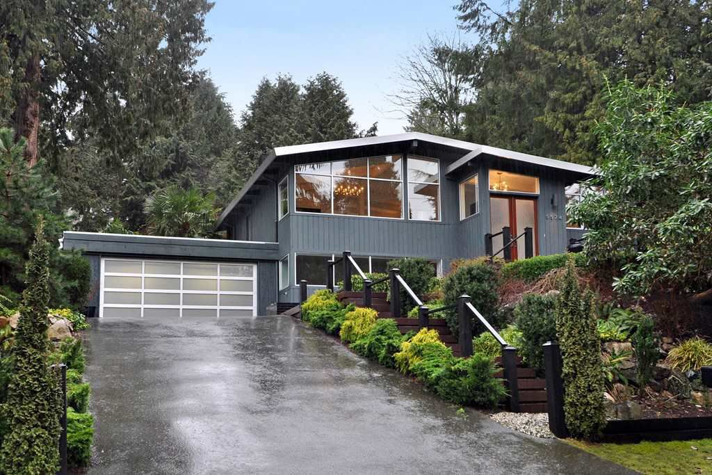 Main Photo: 5574 GALLAGHER Place in West Vancouver: Eagle Harbour House for sale : MLS®# R2139438