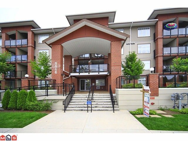 """Main Photo: 405 5516 198 Street in Langley: Langley City Condo for sale in """"Madison Villa"""" : MLS®# R2229071"""