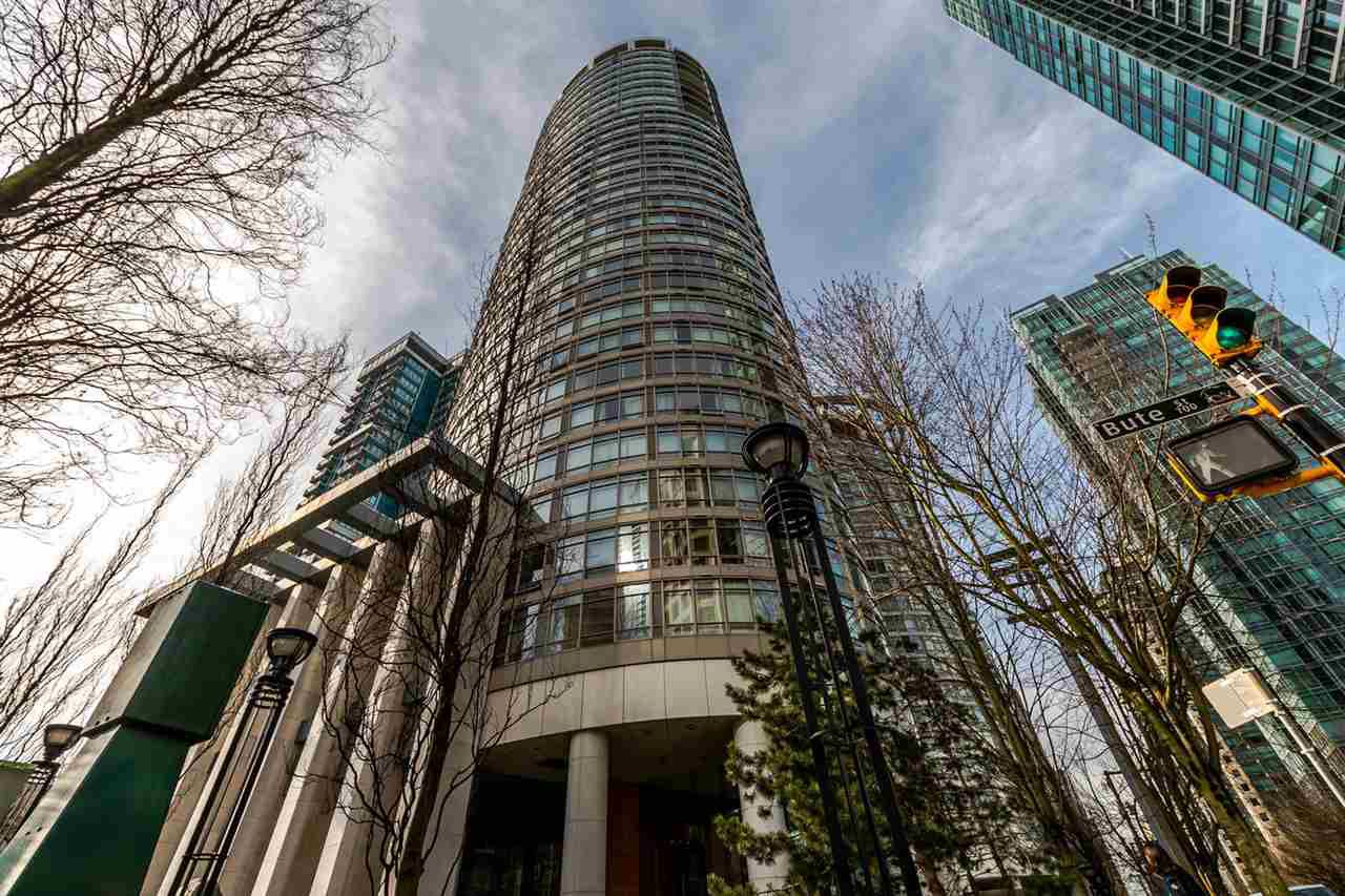 """Main Photo: 2302 1200 ALBERNI Street in Vancouver: West End VW Condo for sale in """"Pallisades"""" (Vancouver West)  : MLS®# R2247214"""