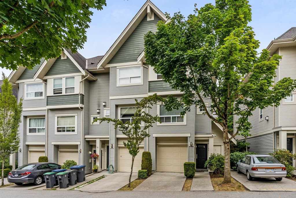 "Main Photo: 48 15065 58 Avenue in Surrey: Sullivan Station Townhouse for sale in ""SPRINGHILL"" : MLS®# R2295174"