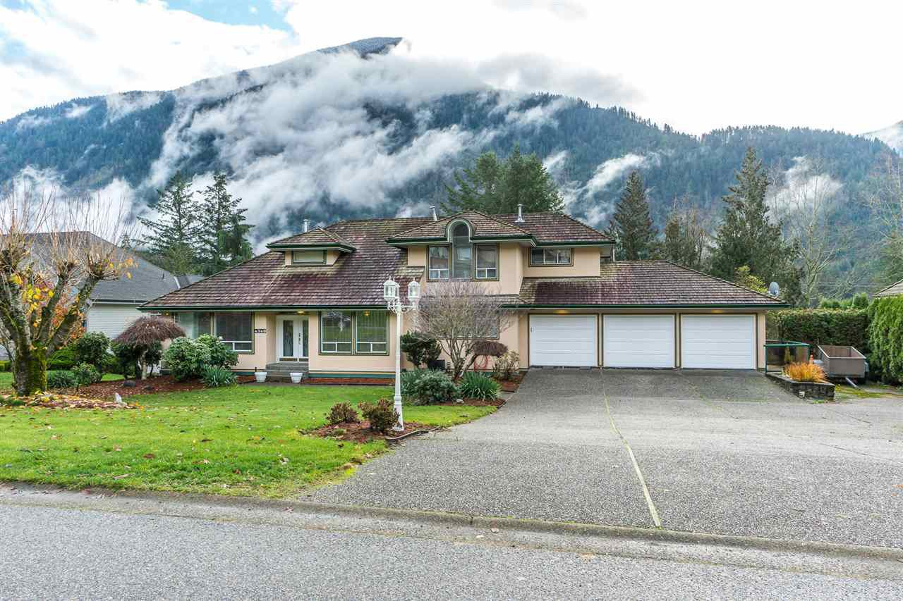 Main Photo: 4340 ESTATE Drive in Sardis - Chwk River Valley: Chilliwack River Valley House for sale (Sardis)  : MLS®# R2355781