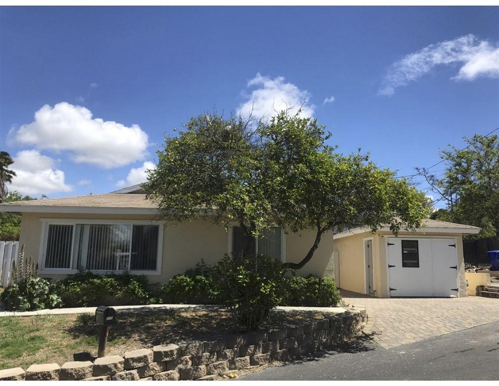 Main Photo: VISTA House for sale : 2 bedrooms : 349 LADO DE LOMA