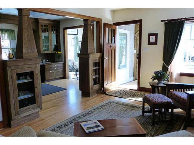 Photo 3: Photos: 1409 6 Street NW in Calgary: Rosedale House for sale : MLS®# C4008743