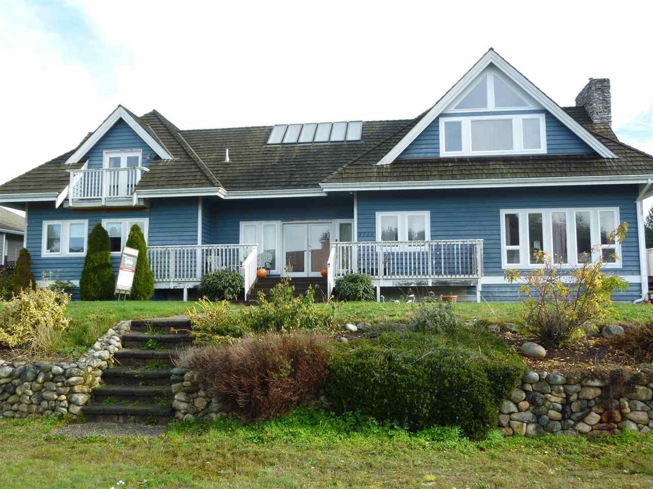 Main Photo: 4736 TAMARACK Place in Sechelt: Sechelt District House for sale (Sunshine Coast)  : MLS®# R2014730