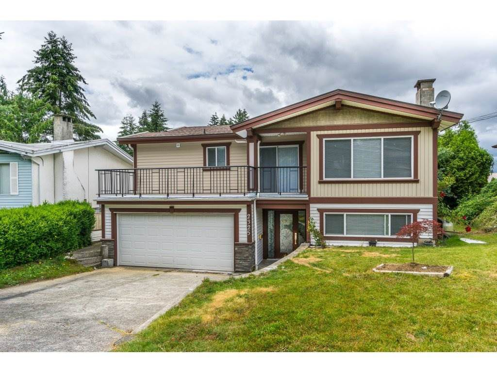 Main Photo: 2325 BEDFORD Place in Abbotsford: Abbotsford West House for sale : MLS®# R2085946
