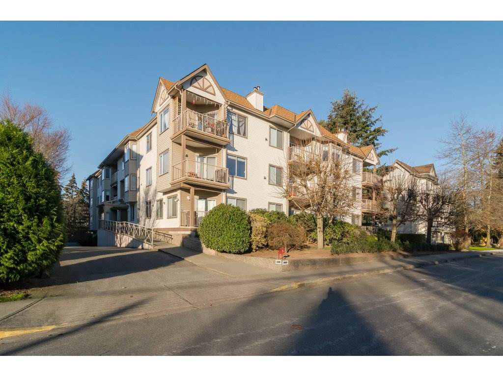 "Main Photo: 105 5489 201 Street in Langley: Langley City Condo for sale in ""CANIM COURT"" : MLS®# R2127133"