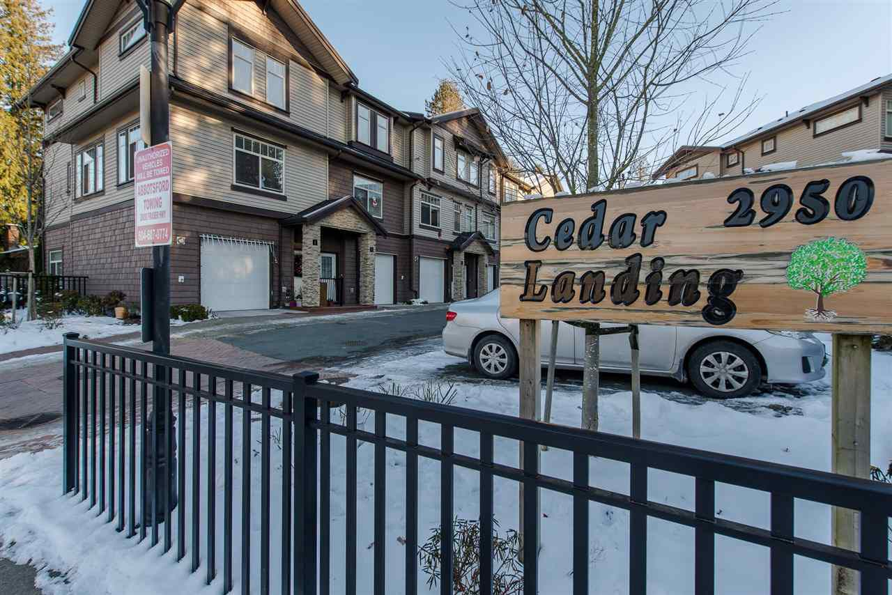 "Main Photo: 18 2950 LEFEUVRE Road in Abbotsford: Aberdeen Townhouse for sale in ""Cedar Landing"" : MLS®# R2128172"