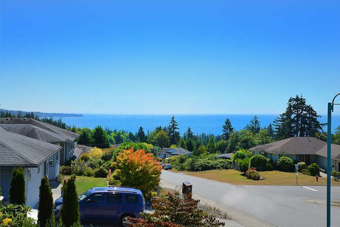 "Photo 2: Photos: 6244 BAILLIE Road in Sechelt: Sechelt District House for sale in ""WEST SECHELT"" (Sunshine Coast)  : MLS®# R2135798"