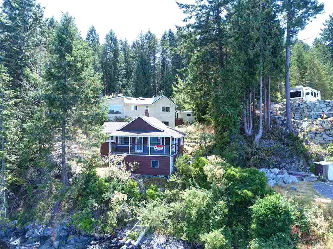 Photo 2: Photos: 13038 HASSAN Road in Madeira Park: Pender Harbour Egmont House for sale (Sunshine Coast)  : MLS®# R2187196