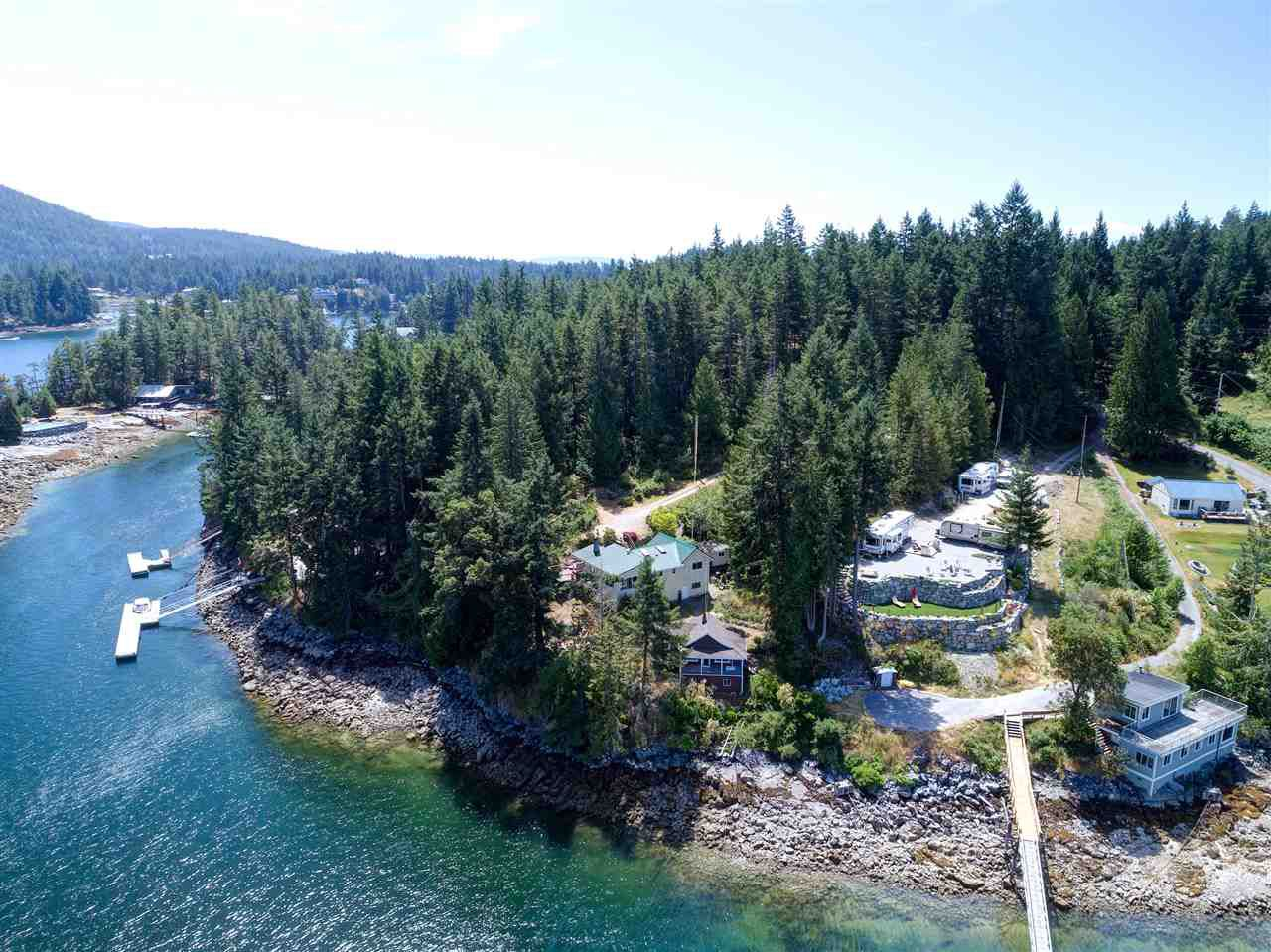 Photo 3: Photos: 13038 HASSAN Road in Madeira Park: Pender Harbour Egmont House for sale (Sunshine Coast)  : MLS®# R2187196