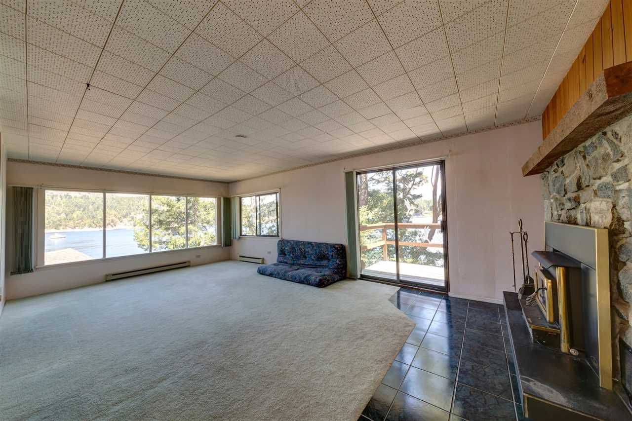 Photo 18: Photos: 13038 HASSAN Road in Madeira Park: Pender Harbour Egmont House for sale (Sunshine Coast)  : MLS®# R2187196