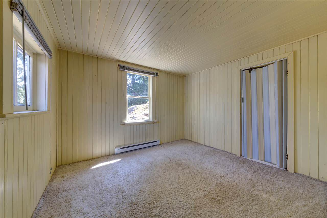 Photo 15: Photos: 13038 HASSAN Road in Madeira Park: Pender Harbour Egmont House for sale (Sunshine Coast)  : MLS®# R2187196