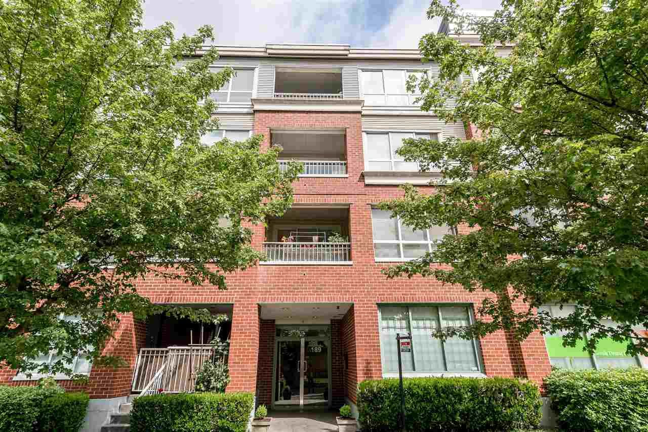 "Main Photo: 405 189 ONTARIO Place in Vancouver: Main Condo for sale in ""MAYFAIR"" (Vancouver East)  : MLS®# R2211161"