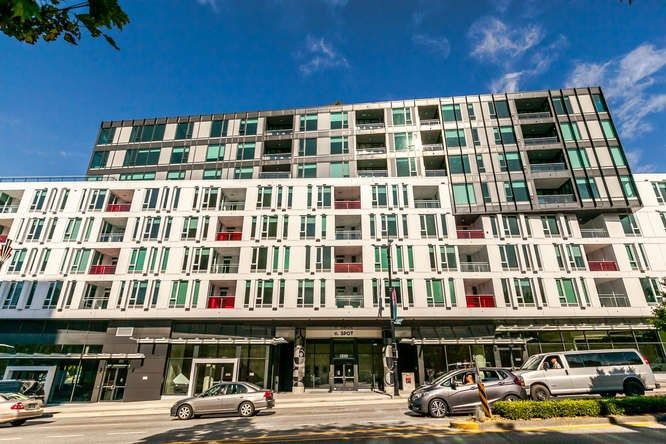 "Main Photo: 512 2888 CAMBIE Street in Vancouver: Mount Pleasant VW Condo for sale in ""The Spot on Cambie"" (Vancouver West)  : MLS®# R2226328"