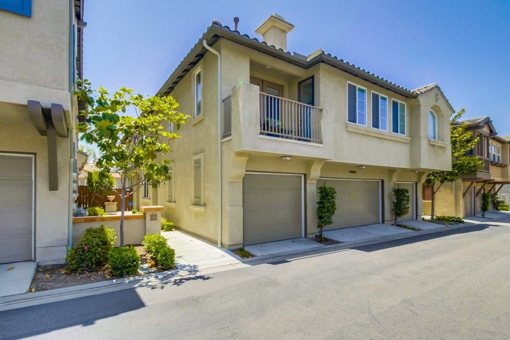 Main Photo: CHULA VISTA Townhome for sale : 3 bedrooms : 2128 Cantata #38