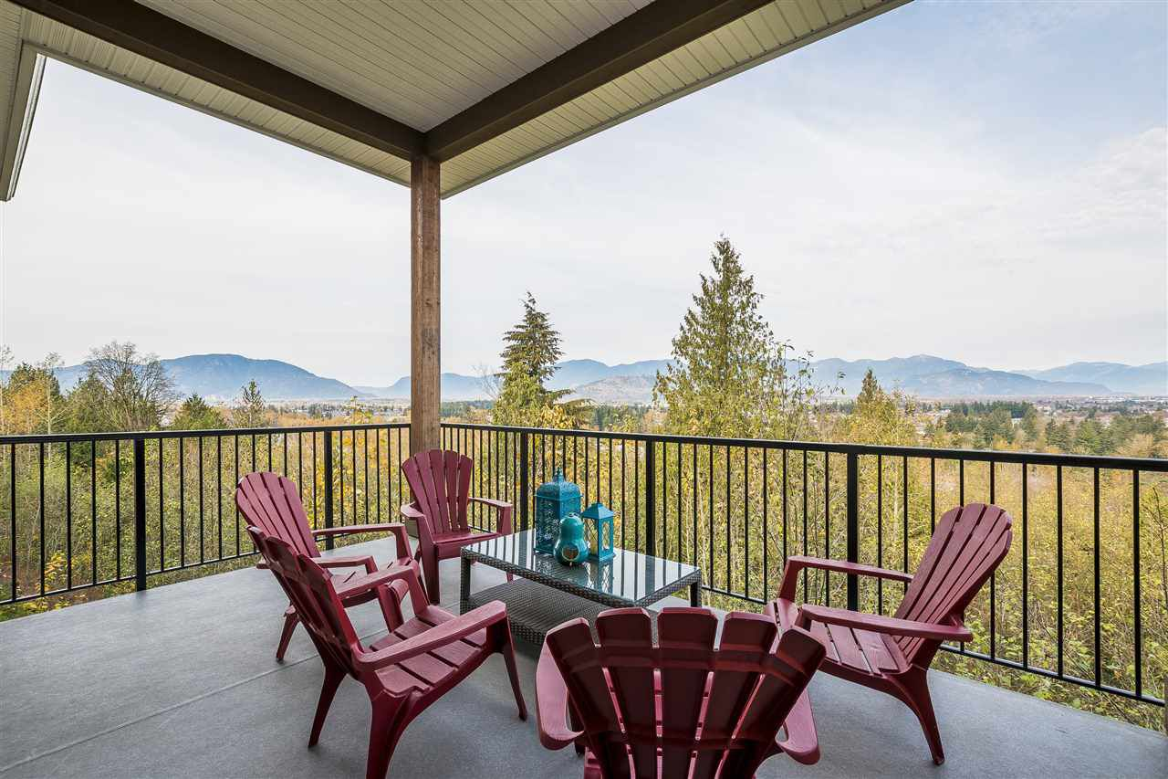 AMAZING VIEWS FROM THE COVERED DECK!