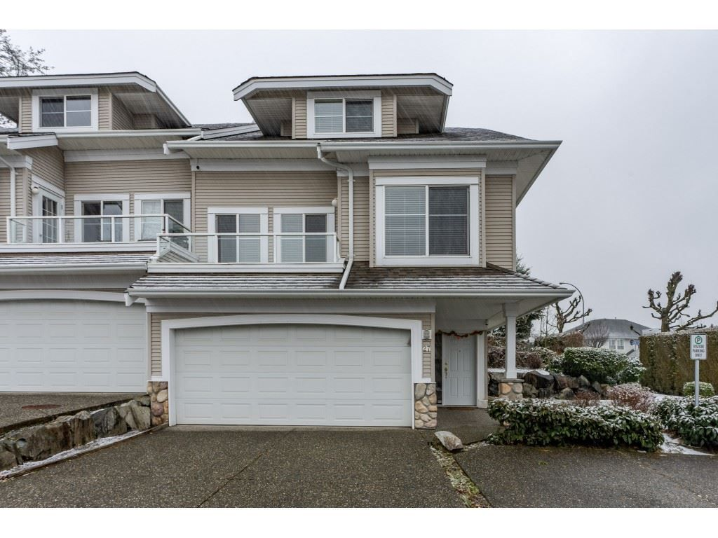 "Main Photo: 27 31501 UPPER MACLURE Road in Abbotsford: Abbotsford West Townhouse for sale in ""Maclure Walk"" : MLS®# R2346484"