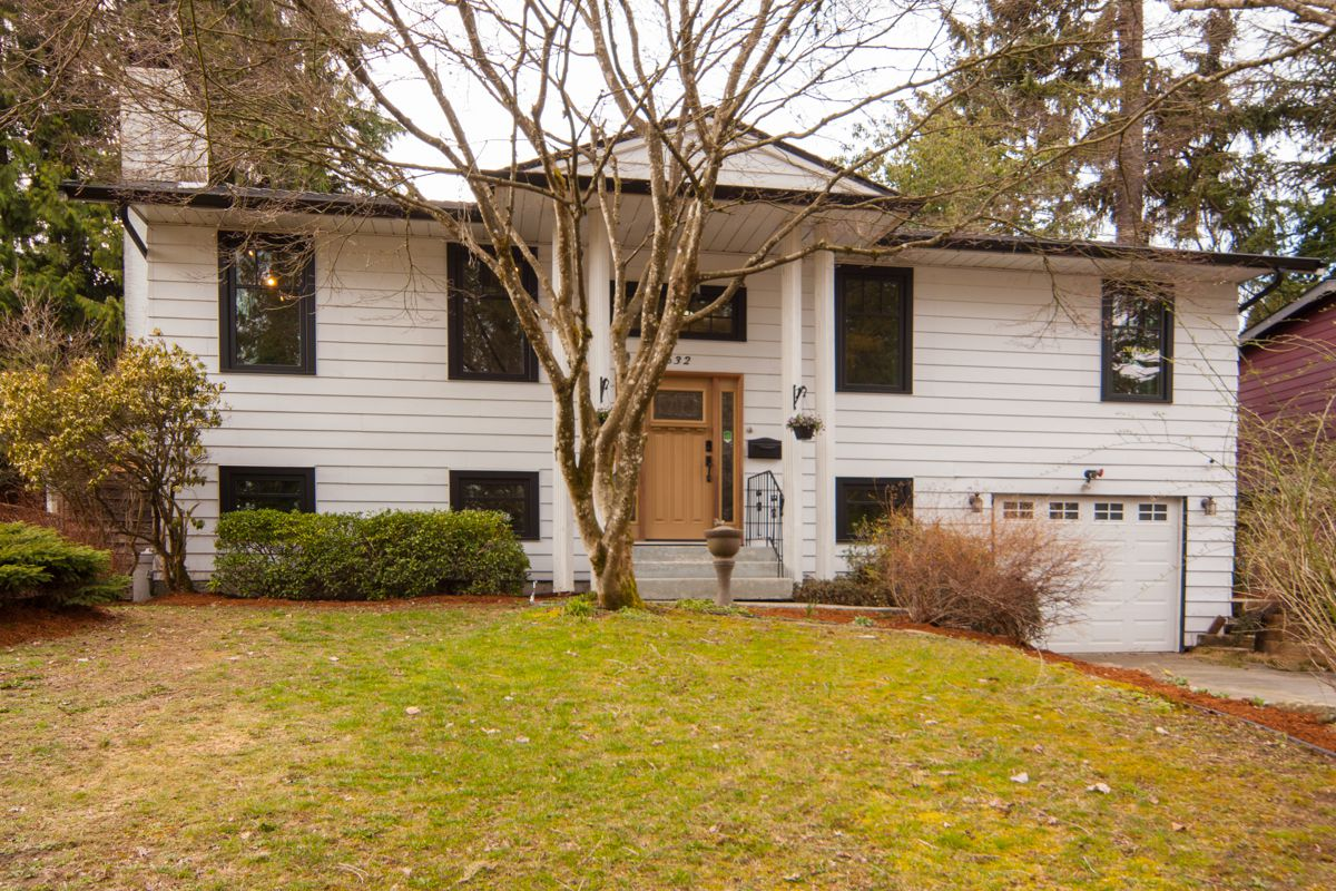 Main Photo: 1632 CONNAUGHT Drive in Port Coquitlam: Lower Mary Hill House for sale : MLS®# R2351496