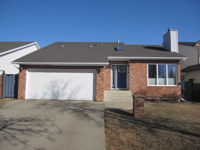 Main Photo: 143 Dorchester Drive: St. Albert House for sale : MLS®# E4149616