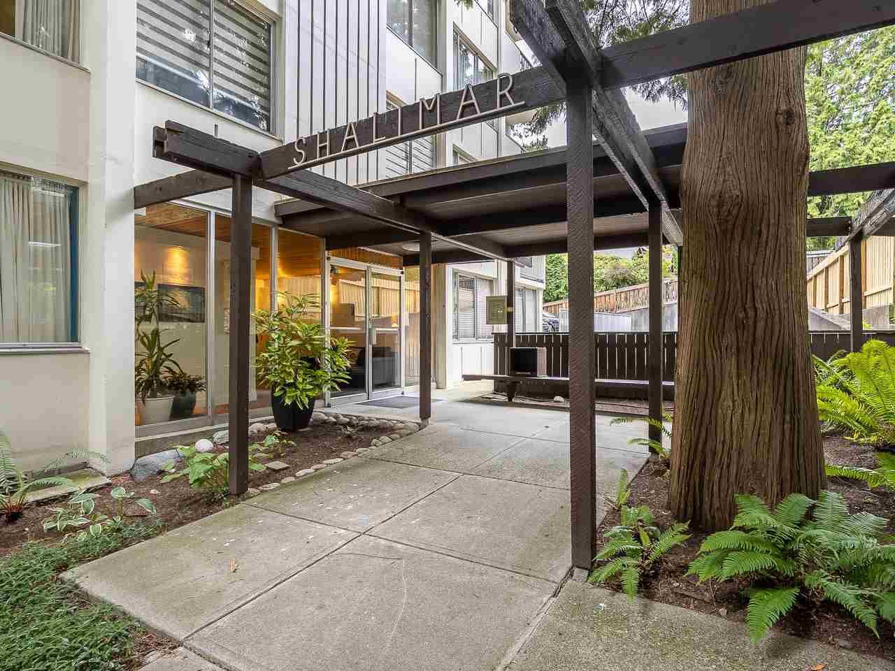 "Main Photo: 502 1785 ESQUIMALT Avenue in West Vancouver: Ambleside Condo for sale in ""Shalimar"" : MLS®# R2387150"