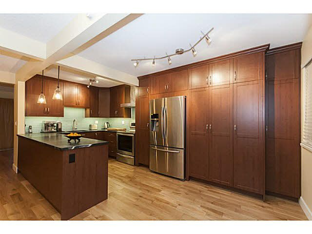 Main Photo: 81 1930 CEDAR VILLAGE Crescent in North Vancouver: Westlynn Townhouse for sale : MLS®# V1096567