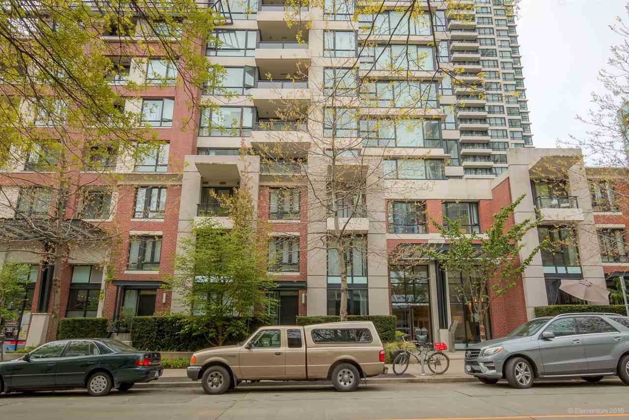 """Main Photo: 2904 977 MAINLAND Street in Vancouver: Yaletown Condo for sale in """"YALETOWN PARK 3"""" (Vancouver West)  : MLS®# R2059019"""